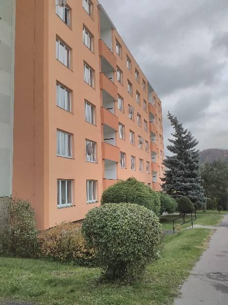 Pronájem 2+1, Karlovy Vary - Lomená, 10000 Kč, 67 m2