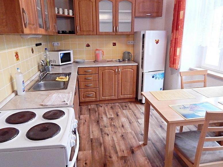 Pronájem 2+1, Karlovy Vary - Škroupova, 7000 Kč, 65 m2