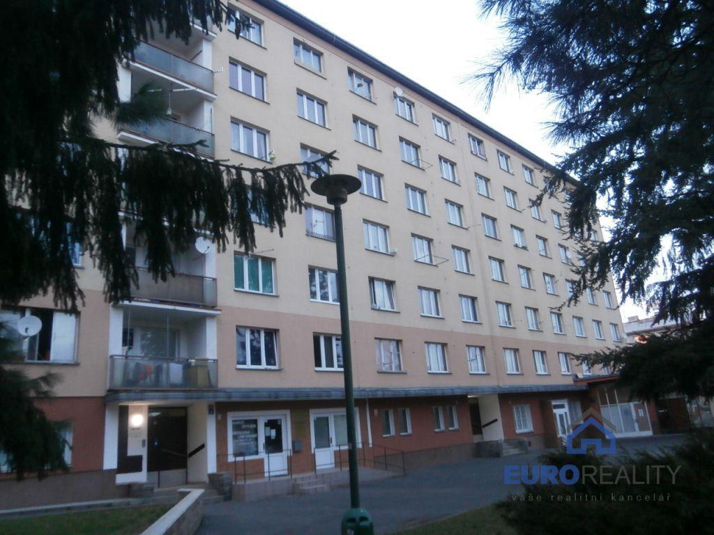 Pronájem 1+kk, Karlovy Vary - Fibichova, 5600 Kč, 18 m2