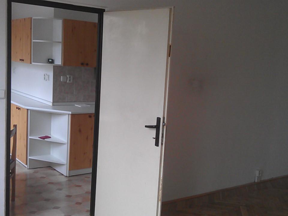 Pronájem 2+1, Karlovy Vary - Jahodová, 4000 Kč, 62 m2