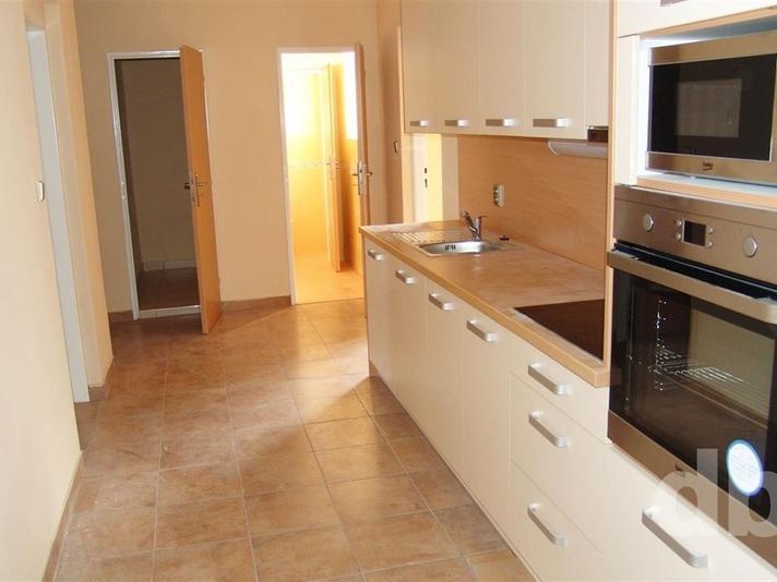 Pronájem 5+1, Karlovy Vary - Jaltská, 25000 Kč, 151 m2