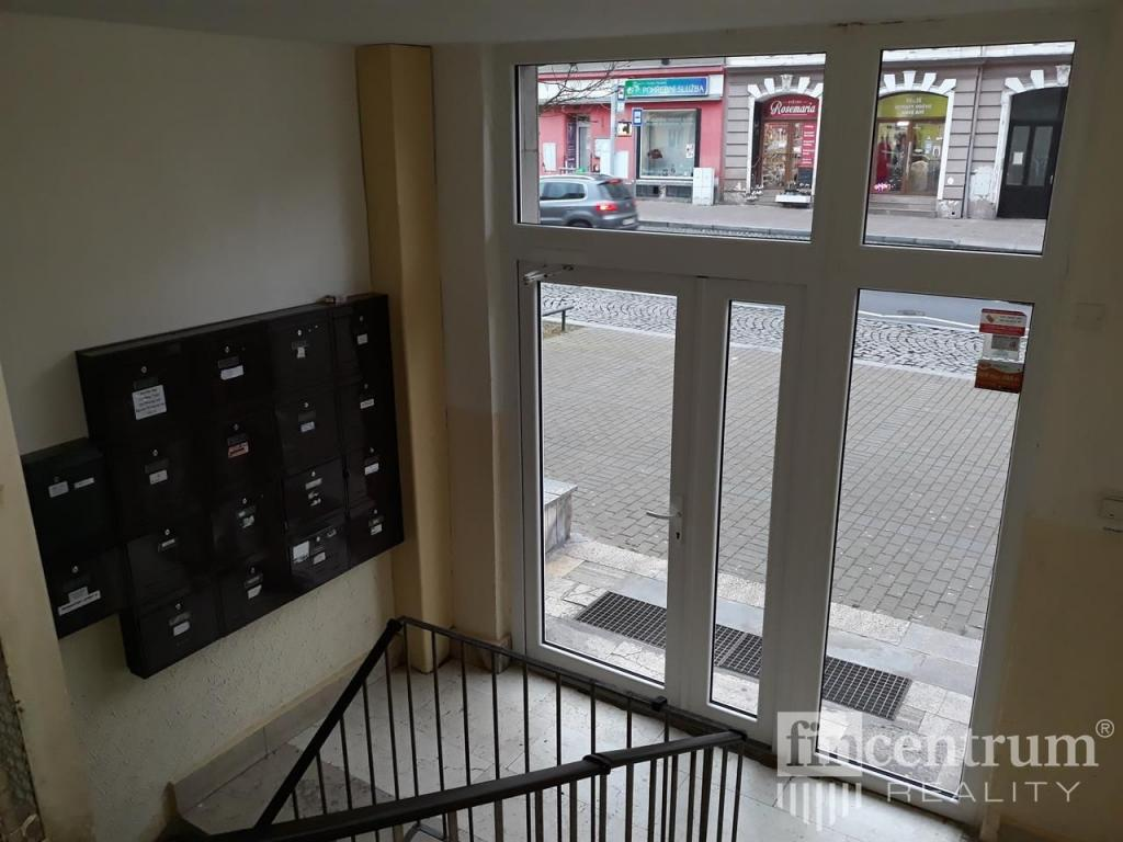 Pronájem 3+1, Karlovy Vary - Sokolovská, 11000 Kč,