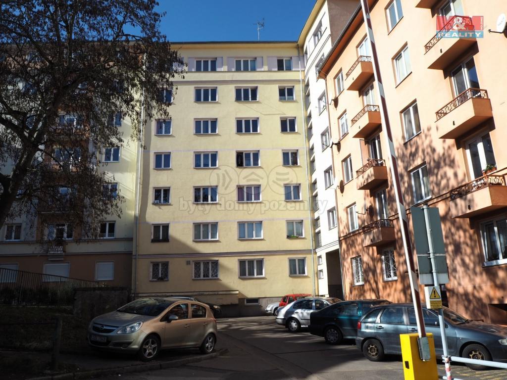 Pronájem 2+1, Karlovy Vary - Horova, 9000 Kč, 65