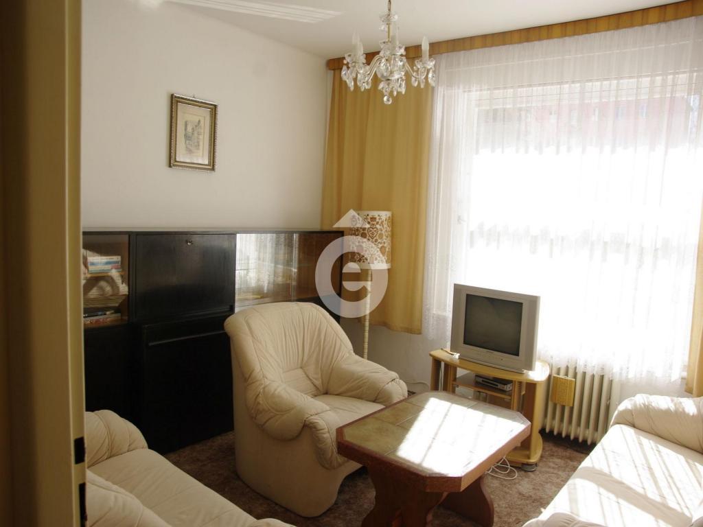 Pronájem 2+1, Karlovy Vary - Vrchlického, 9000 Kč, 45 m2