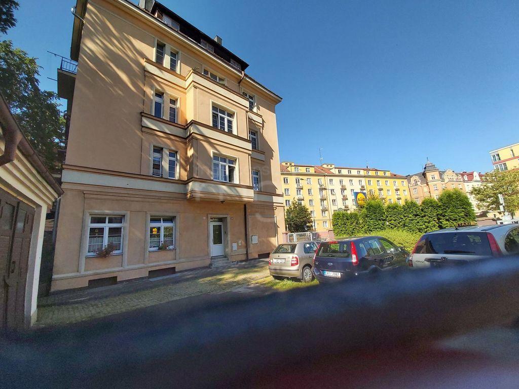 Pronájem 2+1, Karlovy Vary - Vítězná, 9000 Kč, 58