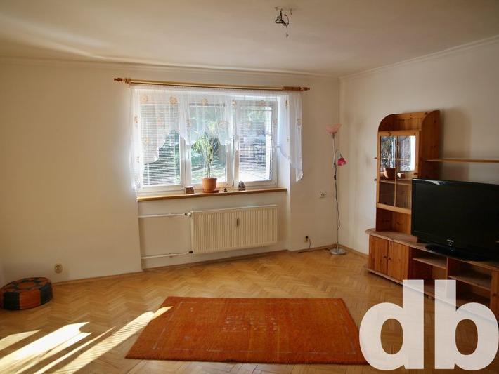 Pronájem 2+1, Karlovy Vary - Anglická, 8290 Kč, 66 m2