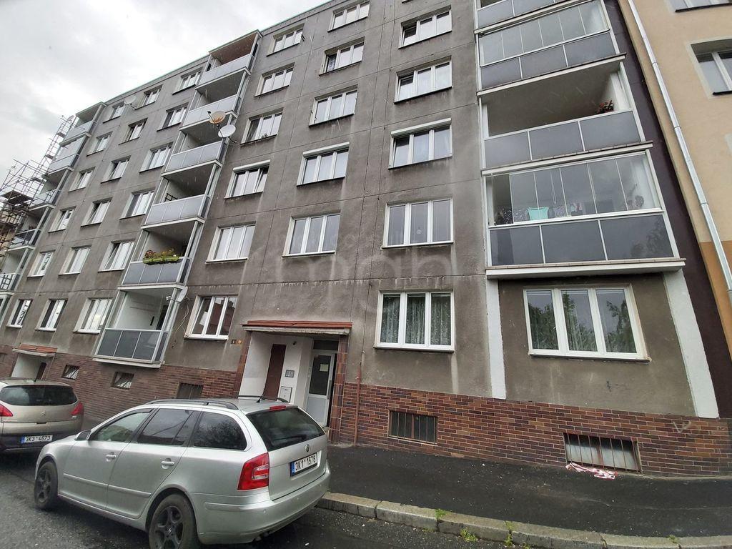 Pronájem 2+1, Karlovy Vary - Kosmonautů, 10000 Kč,