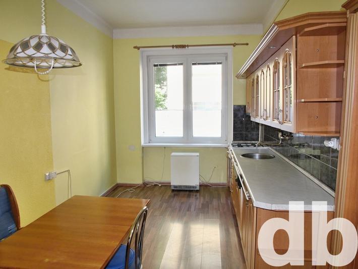 Pronájem 2+1, Karlovy Vary - Šmeralova, 7000 Kč, 65 m2