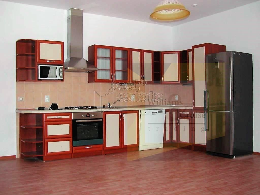 Pronájem 3+kk, Karlovy Vary - Dr. Davida Bechera, 9000 Kč, 76 m2