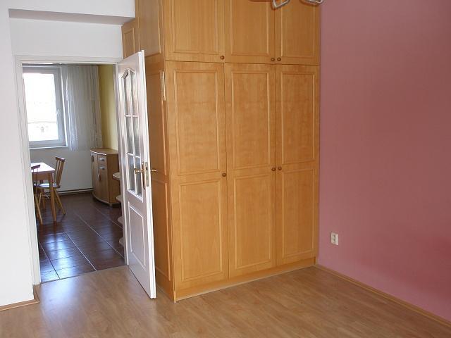 Pronájem 2+1, Karlovy Vary - Šumavská, 7000 Kč, 1 m2